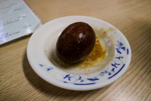 金峰魯肉飯の魯蛋(ルーダン)煮卵のようなもの