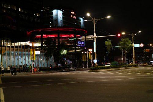 夜の松山駅(台北)