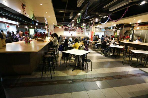 台北「阜杭豆漿」の店内イートインスペース