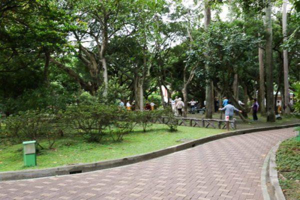 台北・中正紀念堂の地元高齢者の体操風景