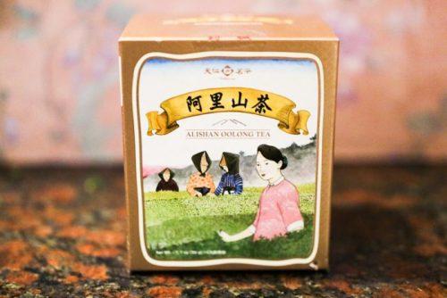 台湾・台北で購入したお土産用台湾茶 「天仁茗茶」阿里山茶