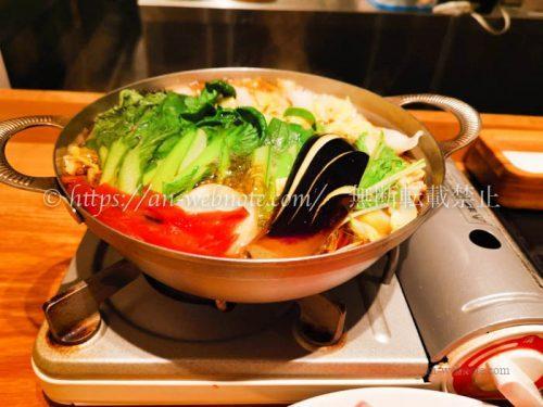 しゃぶしゃぶKINTAN 赤坂店 すきしゃぶセット 野菜煮込み中
