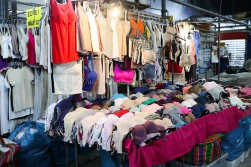 タイ バンコク旅行 サマゴーン市場 ブラジャー 肌着