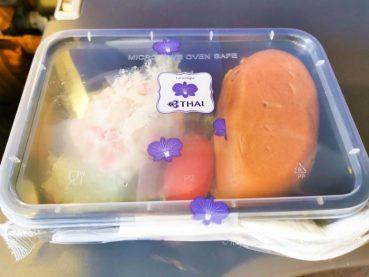 チェンマイ行き タイ国際航空 機内食